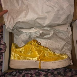 Air forces ones YELLOW limited edition
